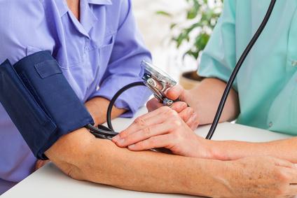 Arzt Pulsmessung