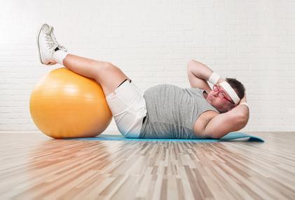 Bauchfett weg! Mit diesen Übungen Kilos loswerden