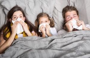 Familie mit Erkältung