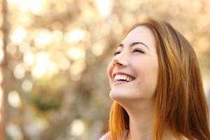 Frau gesund und glücklich