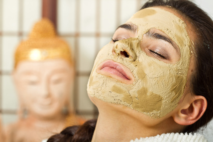 Eine Gesichtsmaske selber machen: Wie geht das?
