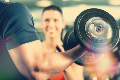 Casein Proteine: Wo liegen die Vorteile für den Muskelaufbau?