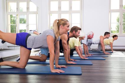 Sportgruppe beim Pilates