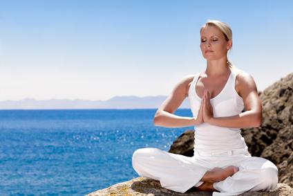 Wie Yoga zu Entspannung und Stressabbau führt